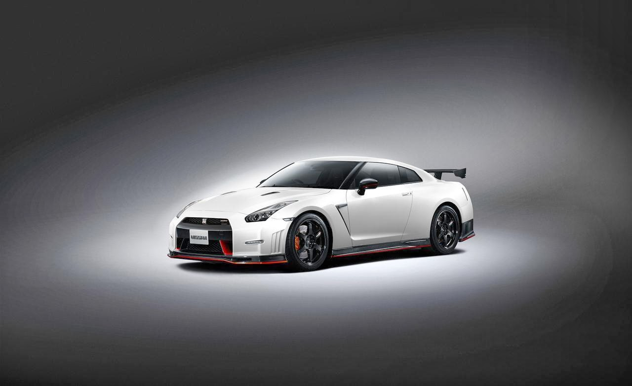 Nissan GTR R35 550 PS laptimes specs performance data