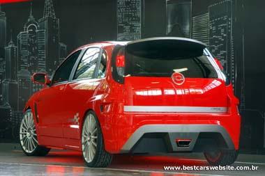 Foto do Corsa Hatch vermelho tunado