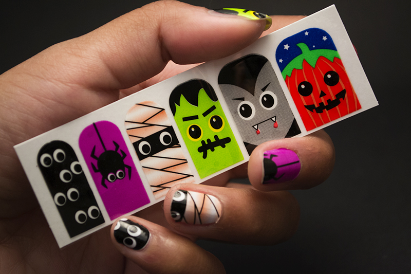 Pettyair nail art halloween attempt fail my original plan was to ease myself into the nail art world again because lets face it i havent been painting my nails at all and the last thing youd solutioingenieria Image collections