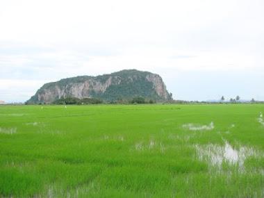 Pemandangan Gunung Keriang