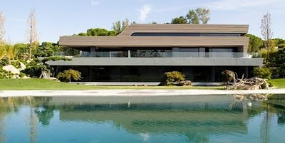 Christiano Ronaldo (CR7) Residence: Side View