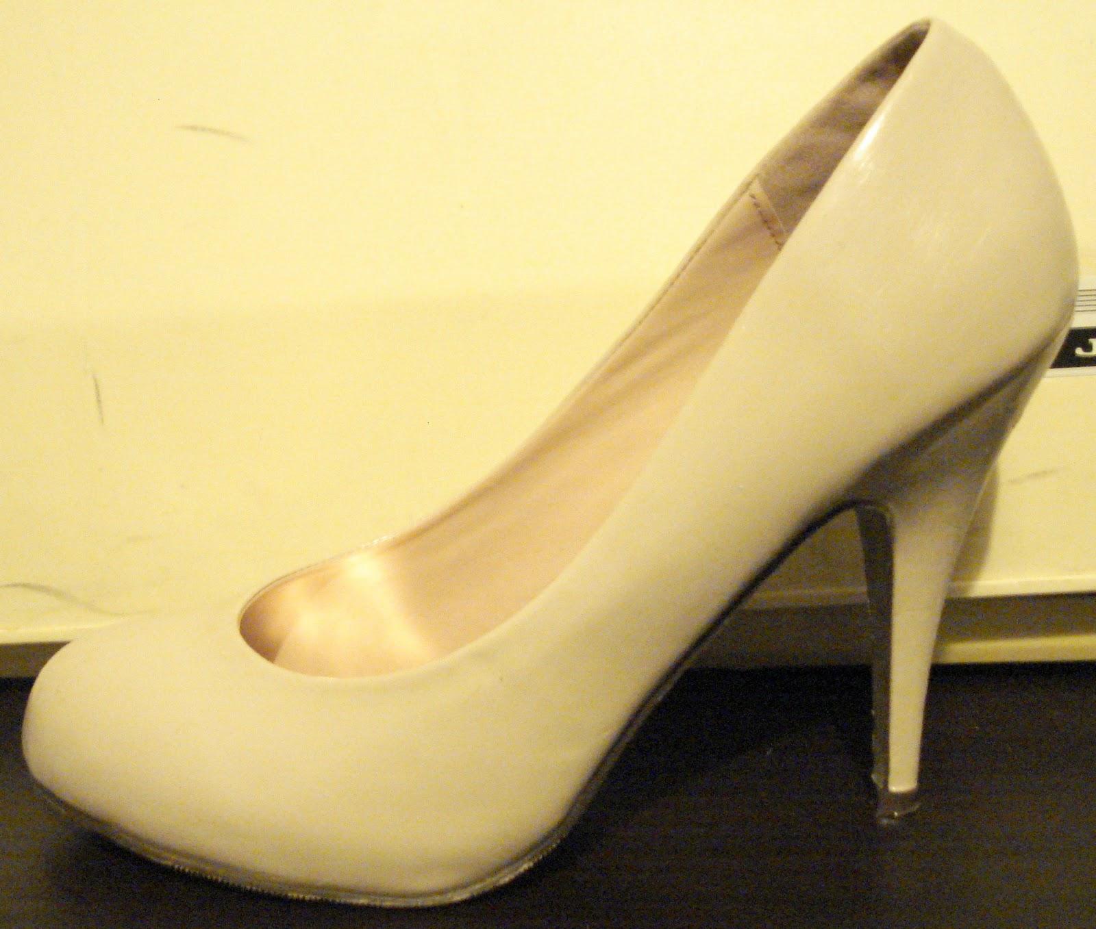 http://4.bp.blogspot.com/-Pc853kK98I0/Tn1PlxOX5gI/AAAAAAAAAko/yZw5eC9wWLo/s1600/Paper+Mache+Shoes+%25282%2529.JPG
