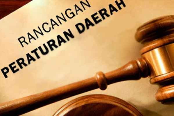 Rapat paripurna DPRD Provinsi Maluku menetapkan lima rancangan peraturan daerah inisiatif yang diusulkan empat komisi dan anggota legislatif.