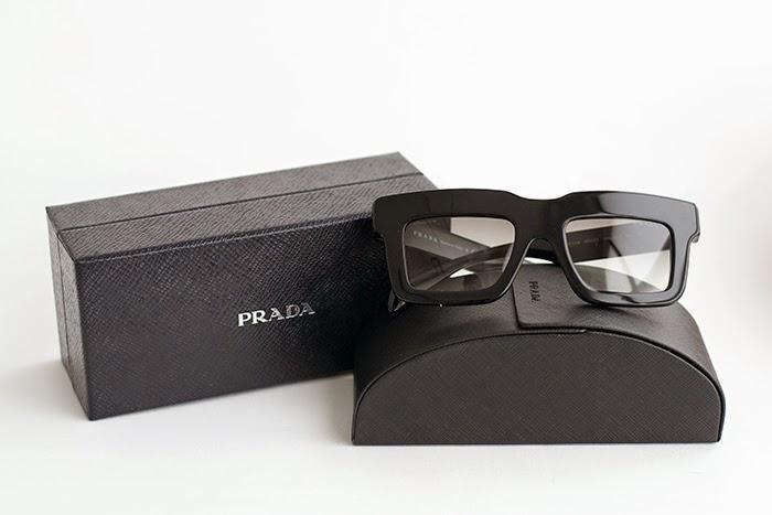 occhiali squadrati prada