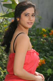Love-Life-Actress-Kashmira-Latest-Stills