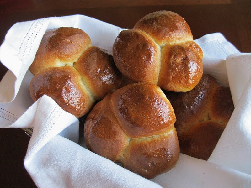 Bakeaway with Me: FFWD Bubble-Top Brioches