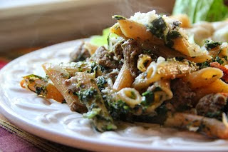 http://mixandmatchmama.blogspot.com/2012/10/dinner-tonight-spinach-pesto-pasta-bake.html