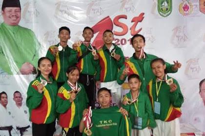 Tembilahan Karate Club Juara Umum Championship Kandagaprana Riau-Sumbar
