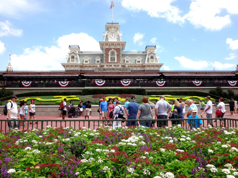 a walking tour of the hotels around the magic kingdom. Black Bedroom Furniture Sets. Home Design Ideas