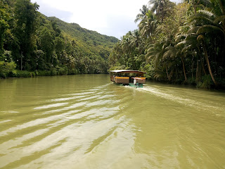 loboc floating restaurant