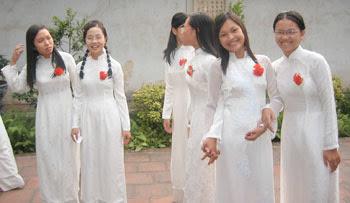 Vietnamese%2BGirls%2B2.jpg