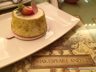 Shakespeare and Co strawberry_vanilla_icecream cake