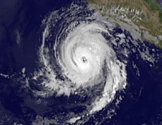 Hurrikan BUD jetzt Kategorie 2 - Region um Manzanillo, Mexiko, bedroht, Touristen, Bud, Satellitenbild Satellitenbilder, aktuell, Sturmwarnung, Mai, 2012, Hurrikansaison 2012, Pazifische Hurrikansaison, Nordost-Pazifik, Mexiko, Manzanillo, Colima, Jalisco,