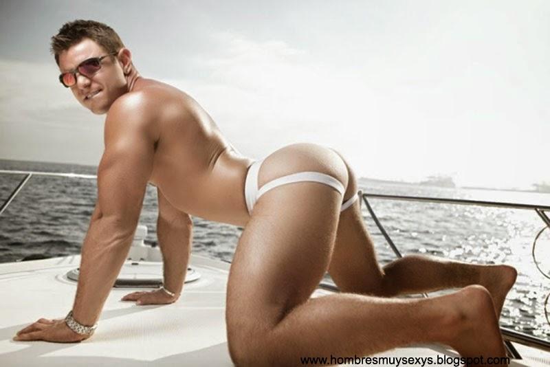 Porno gay con dos chicos sexy y bien musculosos