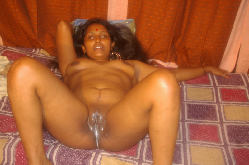 older nude mature at home