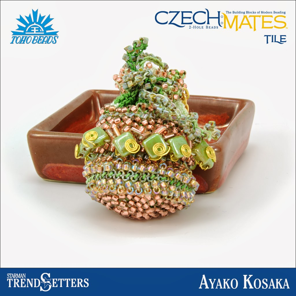 CzechMates Tile beaded bag by Starman TrendSetter Ayako Kosaka