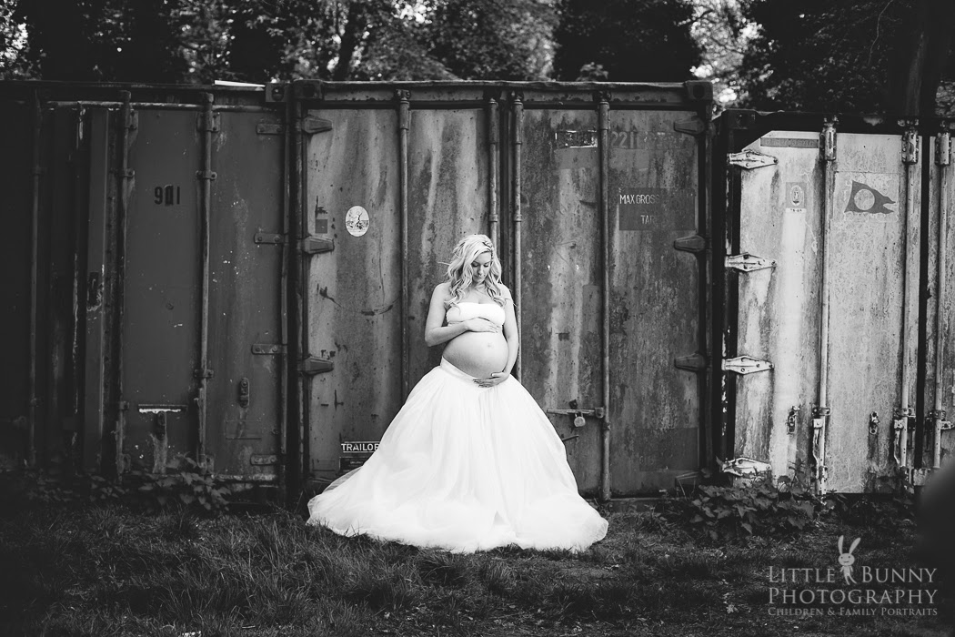 Woodford and Wanstead maternity portrait photographerLittle Bunny Photography