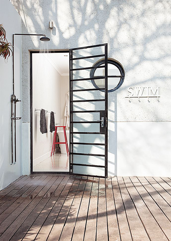 Outdoor shower | Image by Aubrey Jonsson via House & Leisure
