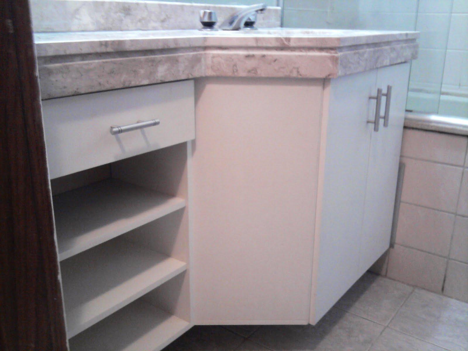 Francisco Pai & Filho Gabinete de Banheiro Chanfrado -> Armario Lateral Banheiro