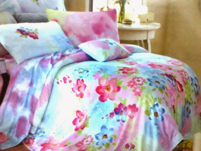 Sprei Tencel Biru Motif Bunga Pink