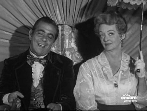 Robert Strauss and Bette Davis in The Elizabeth McQueeny Story