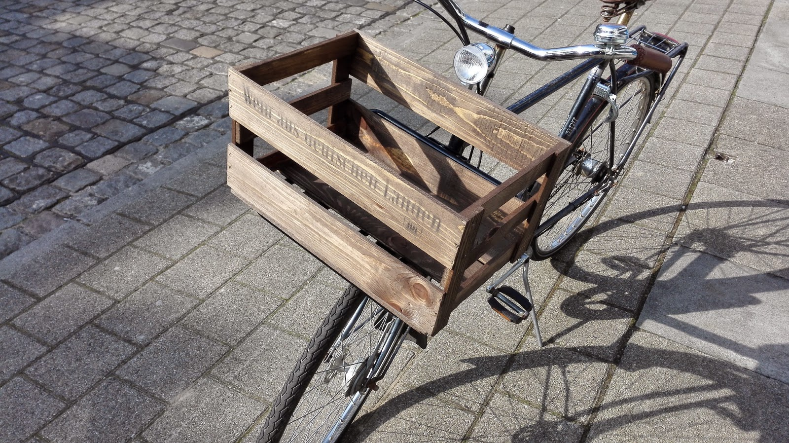 diy shabby weinkiste mit fahrrad front gep cktr ger so geht 39 s. Black Bedroom Furniture Sets. Home Design Ideas