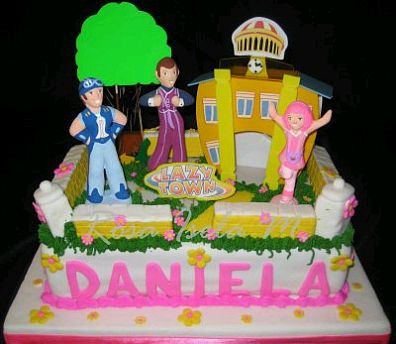 En esta torta también se tienen a los personajes principales en un