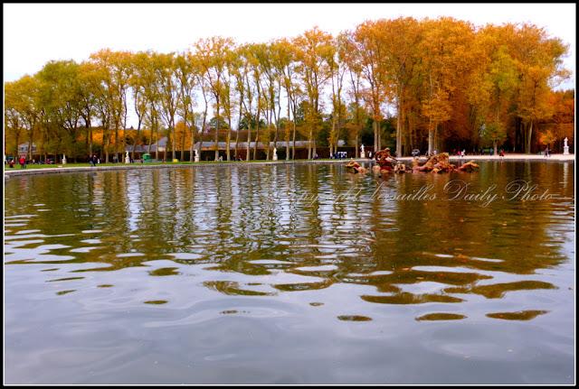 Bassin du Char d'Apollon Versailles automne