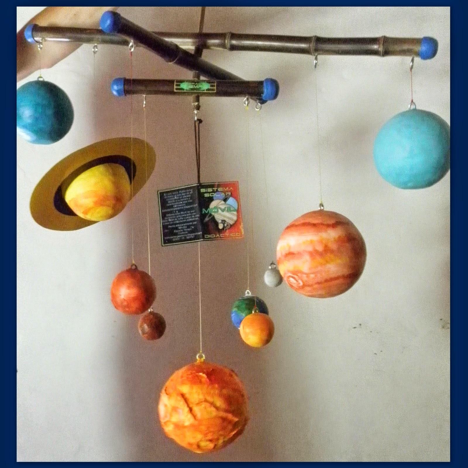 Palabras y colores: Móvil del Sistema Solar