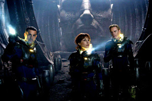 Logan Marshall-Green, Noomi Rapace, Michael Fassbender in Prometheus