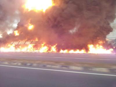 Video Kemalangan Kereta Api Merempuh Lori Tangki Di Kota Kinabalu