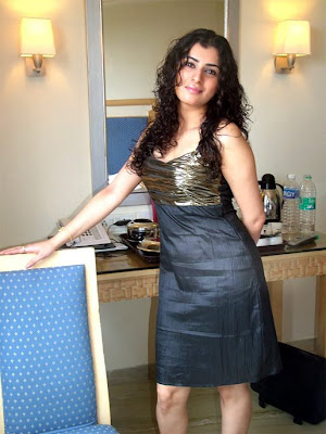 Archana Sexy In Short Skirt Pictures 2012
