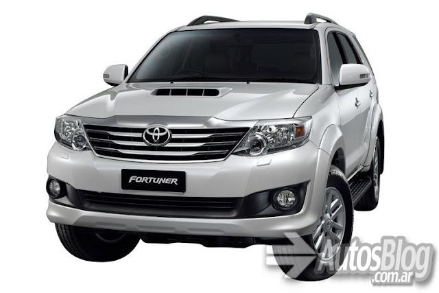 Toyota presentó a la SW4 2012