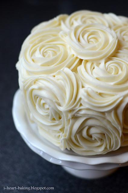Decorating Ideas > I Heart Baking! Red Velvet Cake With Cheesecake Middle  ~ 222644_Cake Decorating Ideas Red Velvet