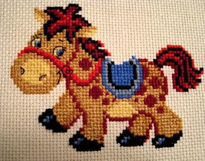вышивка лошадка