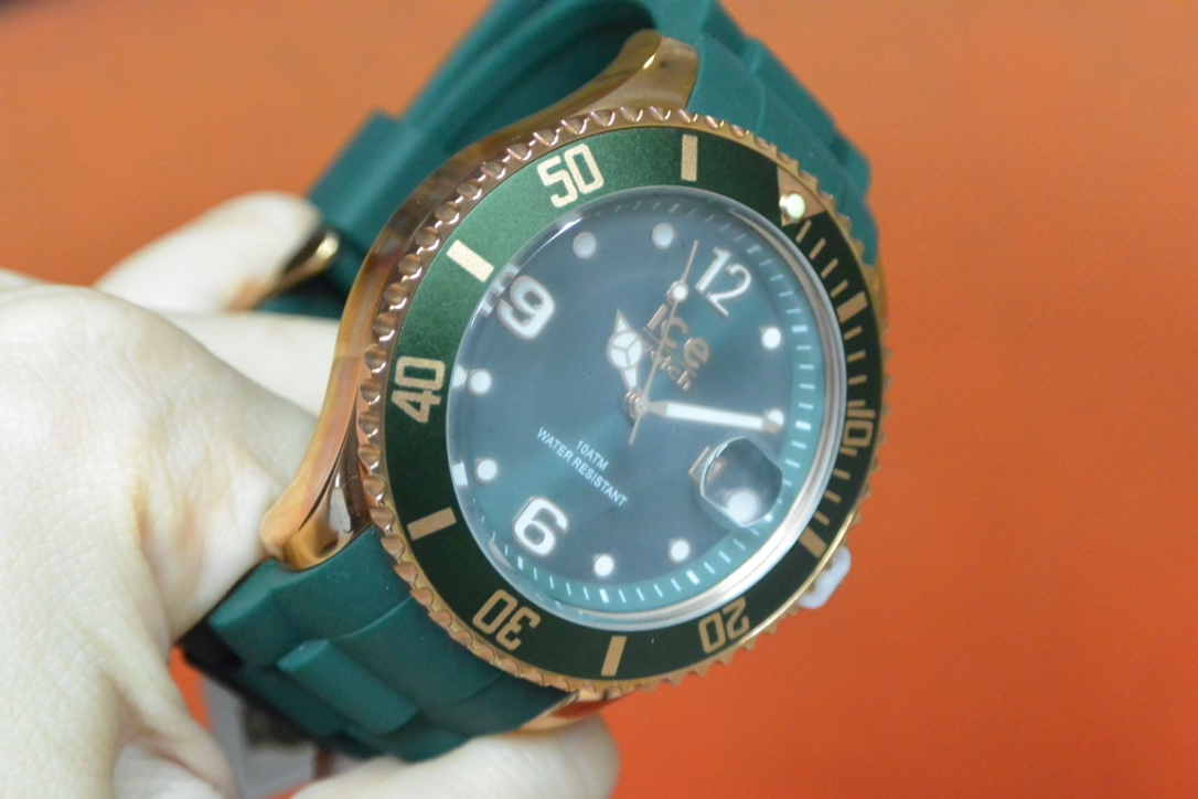 Hasil gambar untuk jam tangan berembun