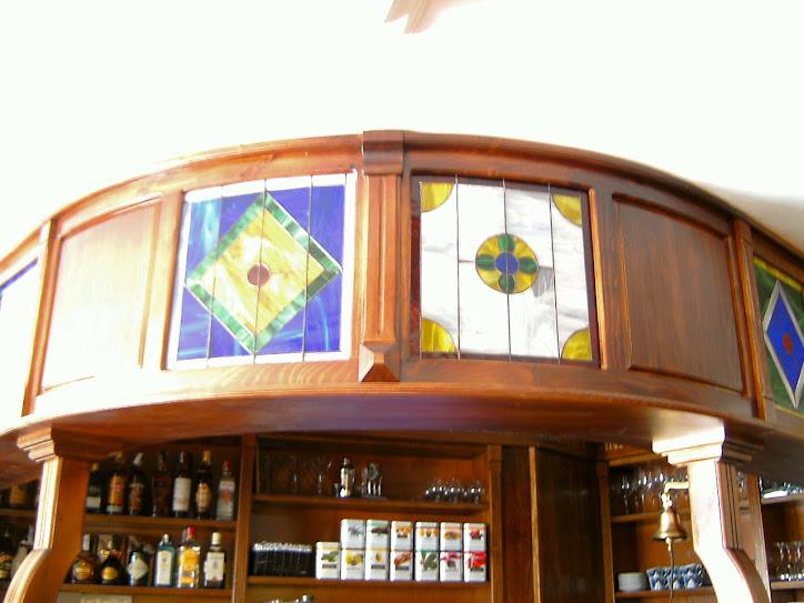 Vidrieras en el Bar Cuba (Almuñecar)