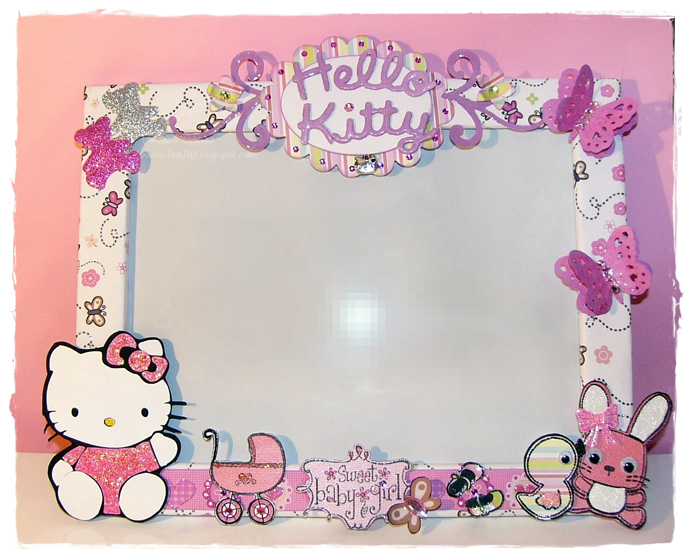 Feel felt hello kitty frame for Decoracion de marcos para fotos