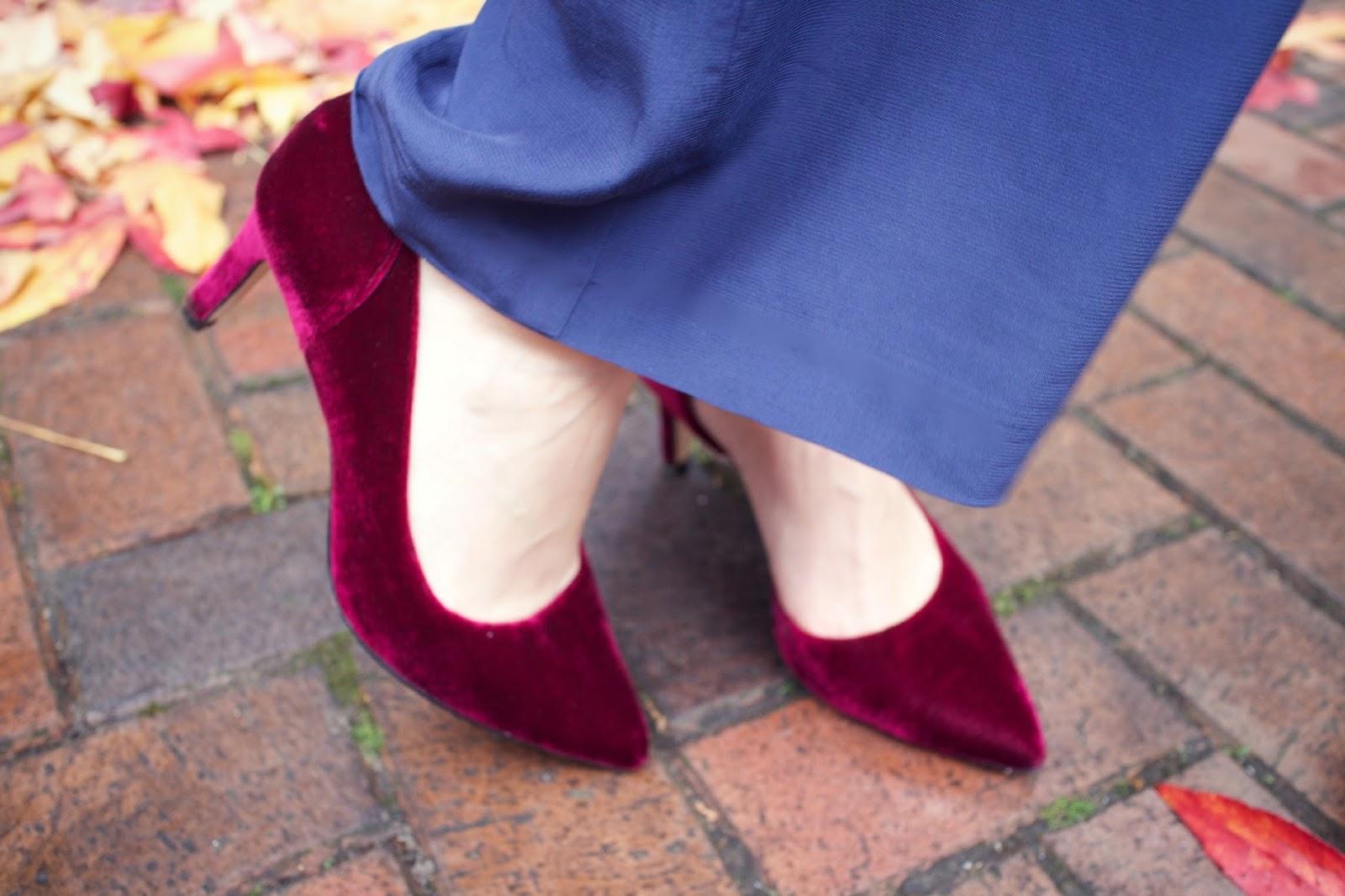 boden the christmas court velvet shoes