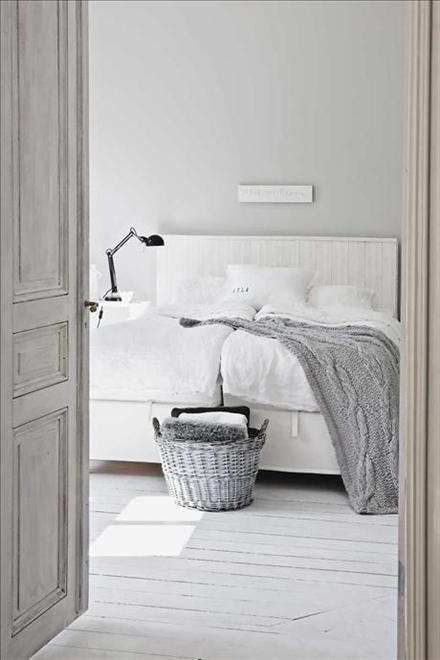 Nordic Blends: Nordic Inspiration: slaapkamer in wit en grijs