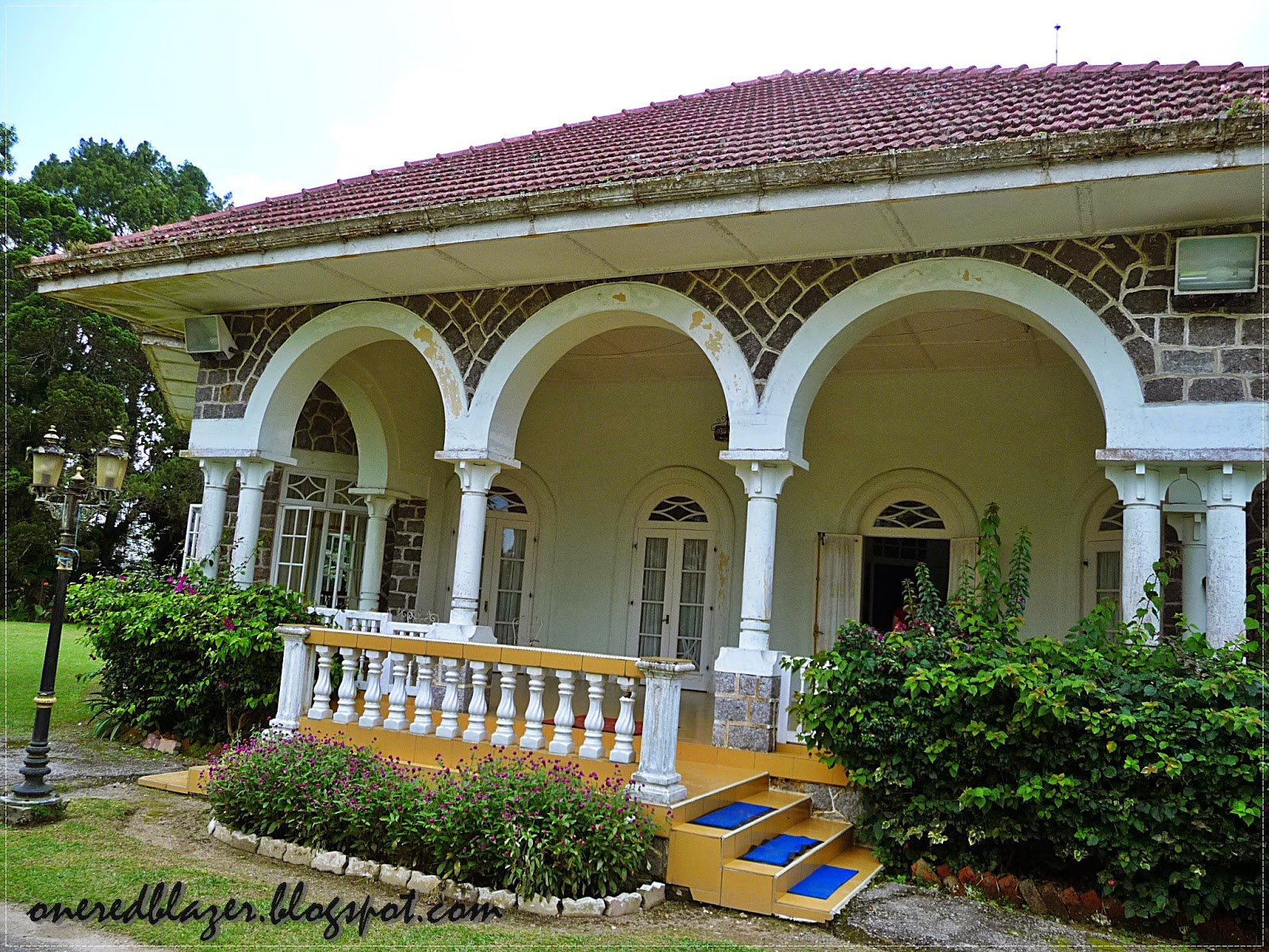 Entrance With Portico Columns : Bungalow sultan sulaiman fraser s hill one red blazer