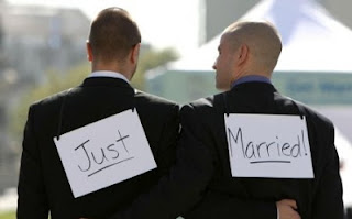 Les homos se marient, les hétéros se PACSent