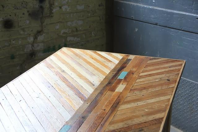 Estampados de madera Ariele AlaskoEspacios en madera : diningtablereclaimedwood from espaciosdemadera.blogspot.com size 640 x 427 jpeg 60kB