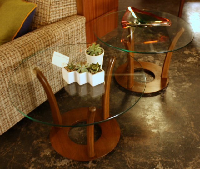 %name Kidney Shaped Coffee Table With Glass Top