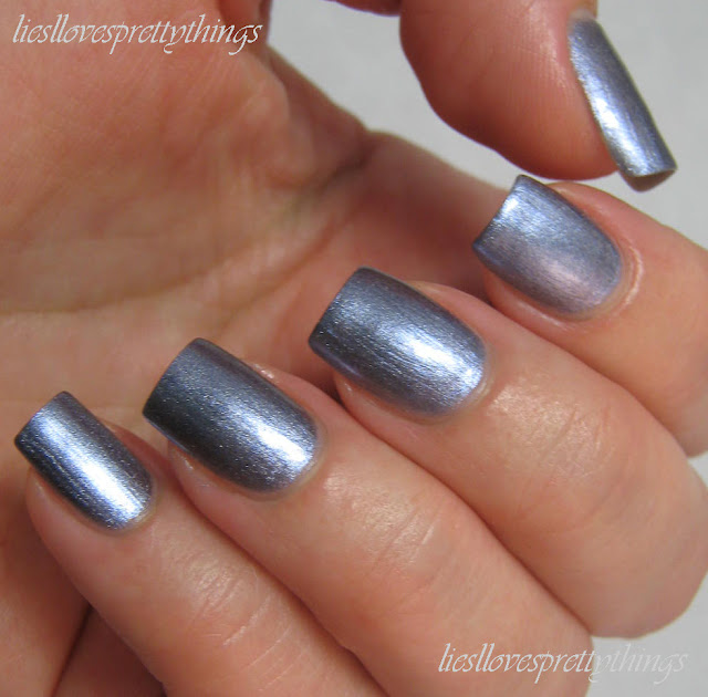 Maybelline Color Show Holographic Blue Blaze