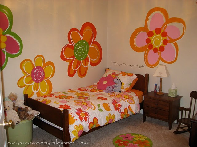 Remodelaholic | Hand Painted Flowers for Little Girls Room