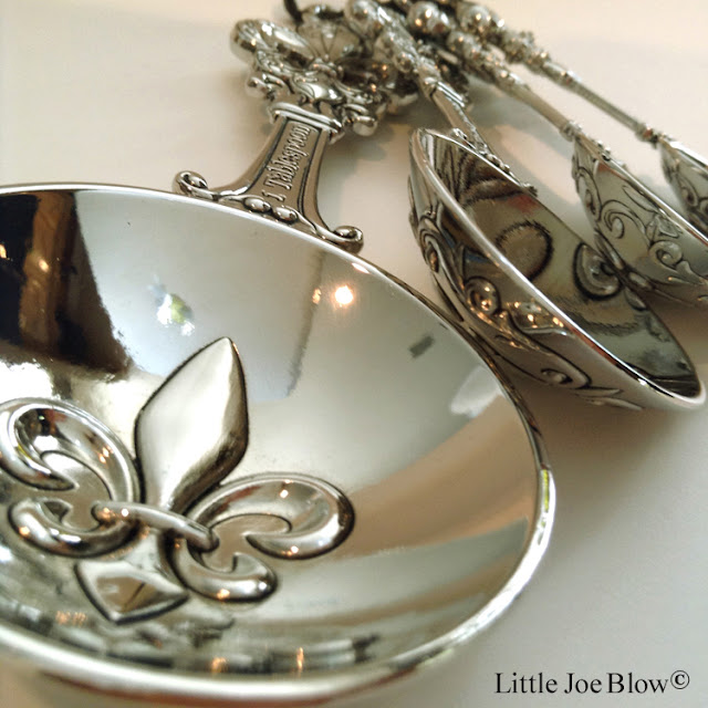 Fleur De Lis Measuring Spoons by Ganz photo 3