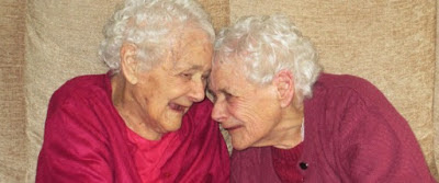 PHOTO: 103 year old identical twins die within weeks of each other