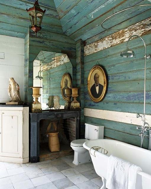 Baño de madera sin cuidar