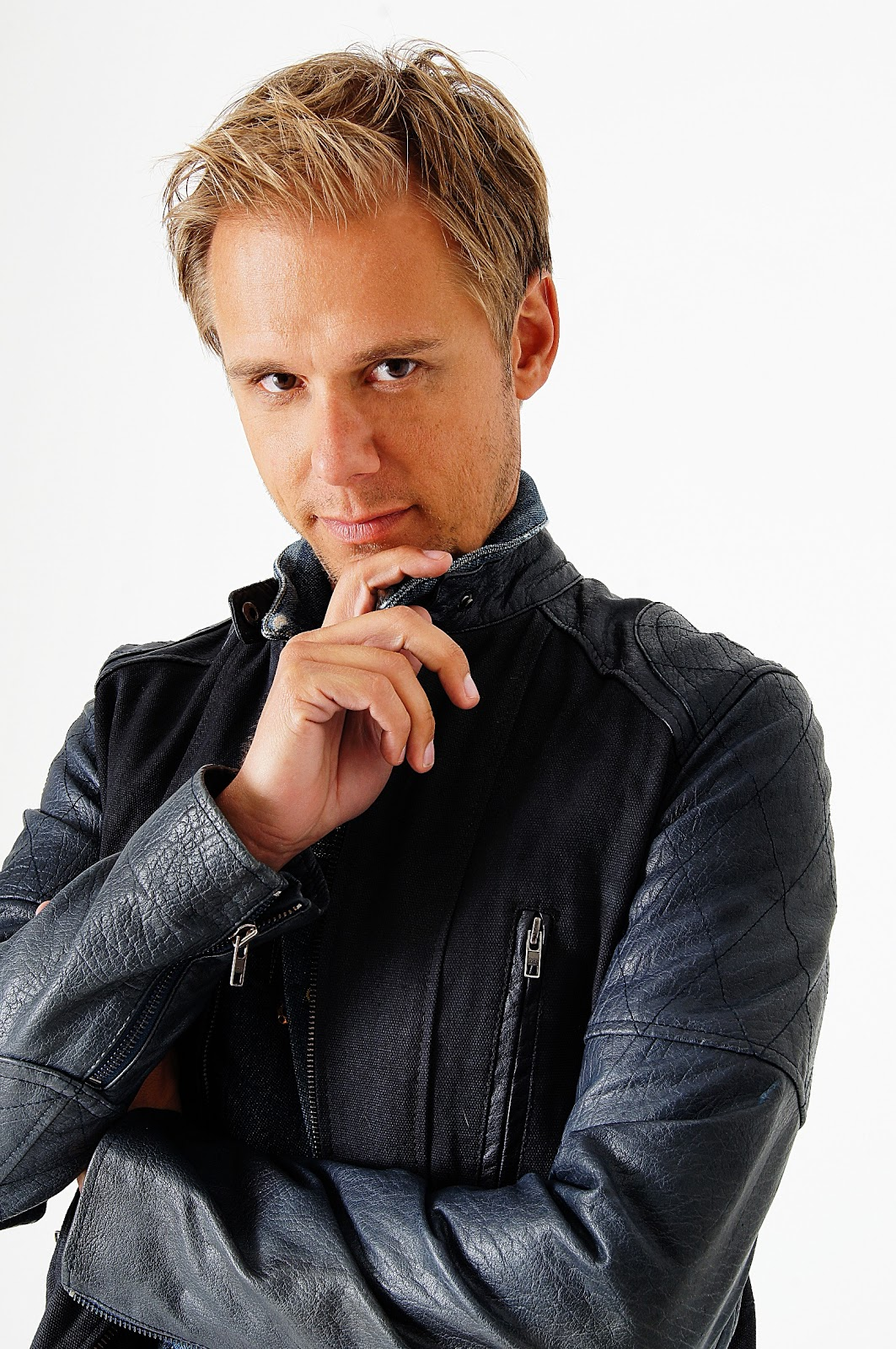 Michiekins Fashion Lifestyle And Mummy Blog 02 07 13 Jaket Hoodie Dj Armin Van Buuren 6